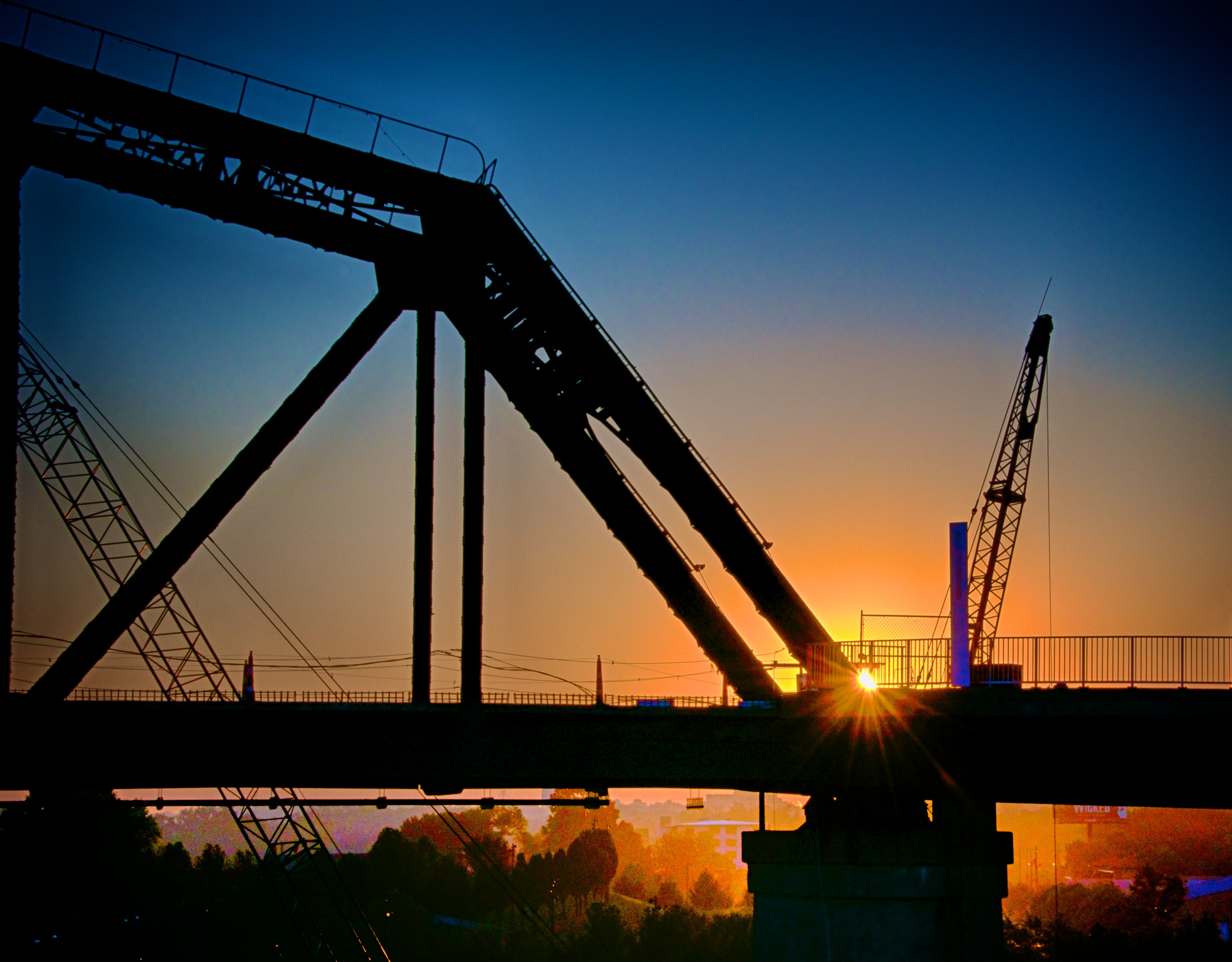 Morning sunrise on the Big Four Bridge jobsite.