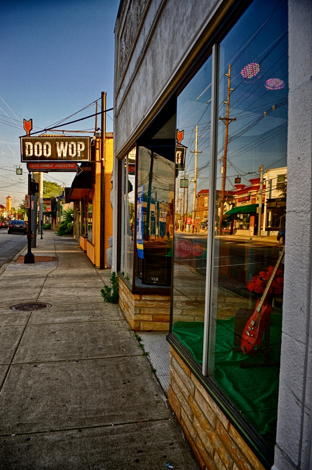 Doo Wop Shop Facade With Highlands Businesses Reflections.